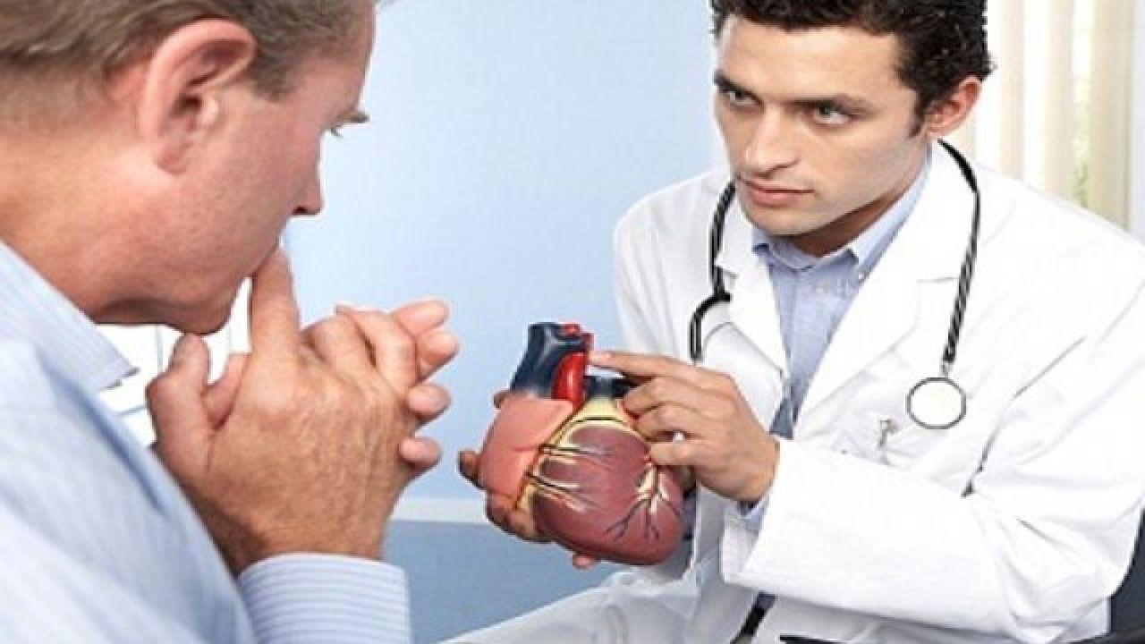 حوار بين طبيب ومريض