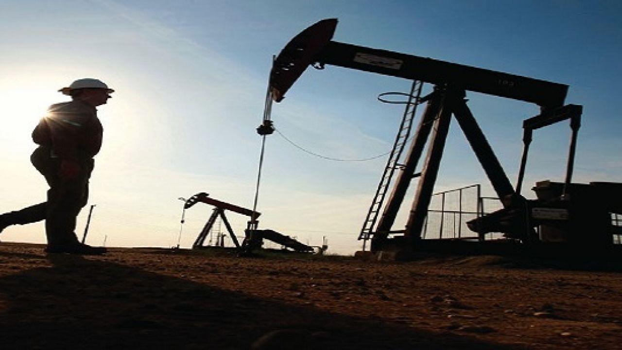 كيف يستخرج النفط