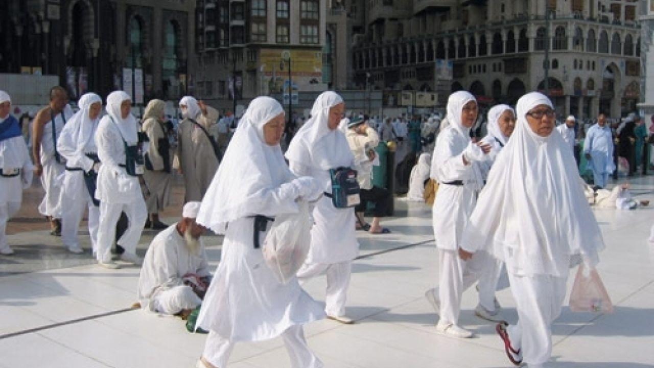 يجوز للمرأة السفر للحج دون محرم