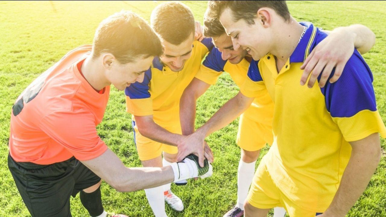 صفات لاعب كرة القدم