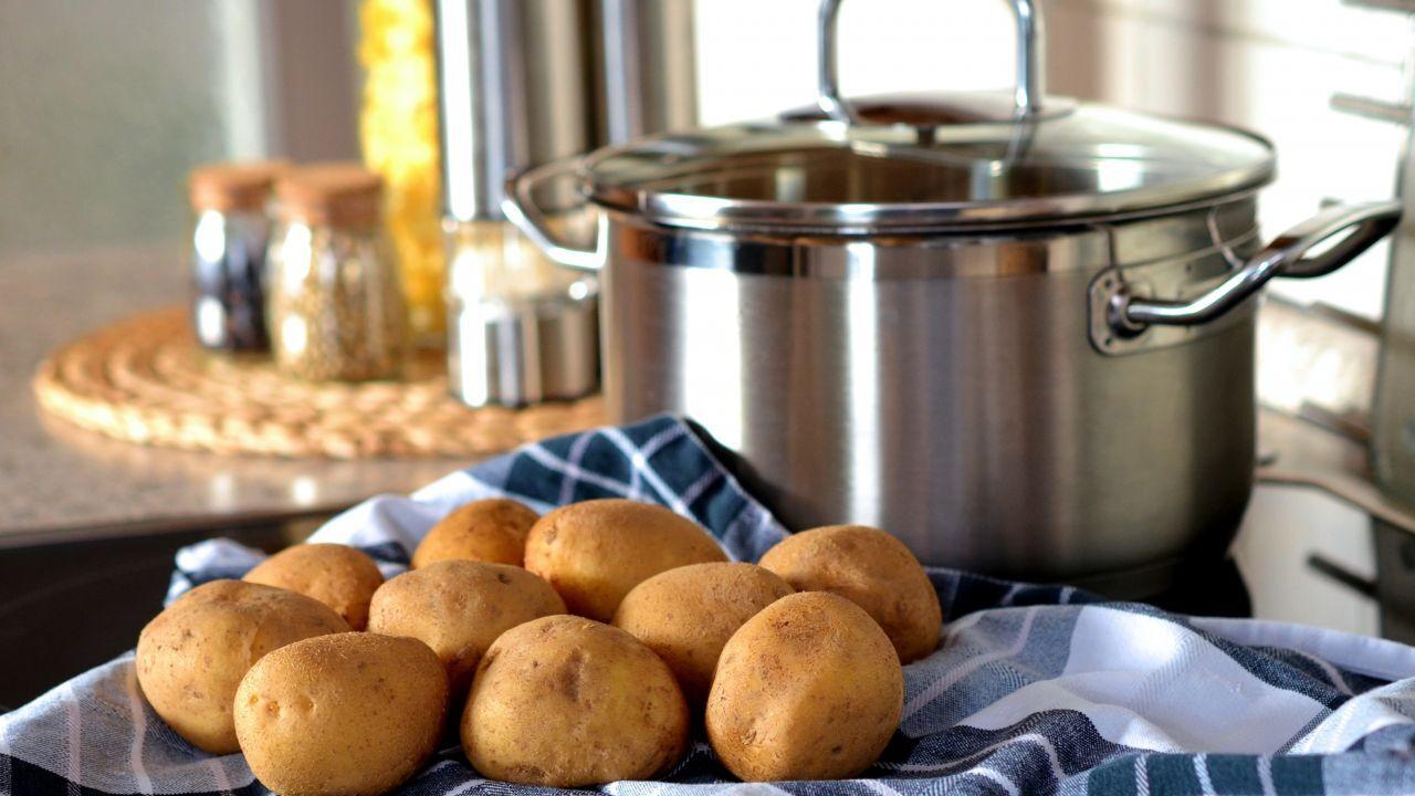 كم عدد السعرات الحرارية في البطاطس المسلوقة طب 21