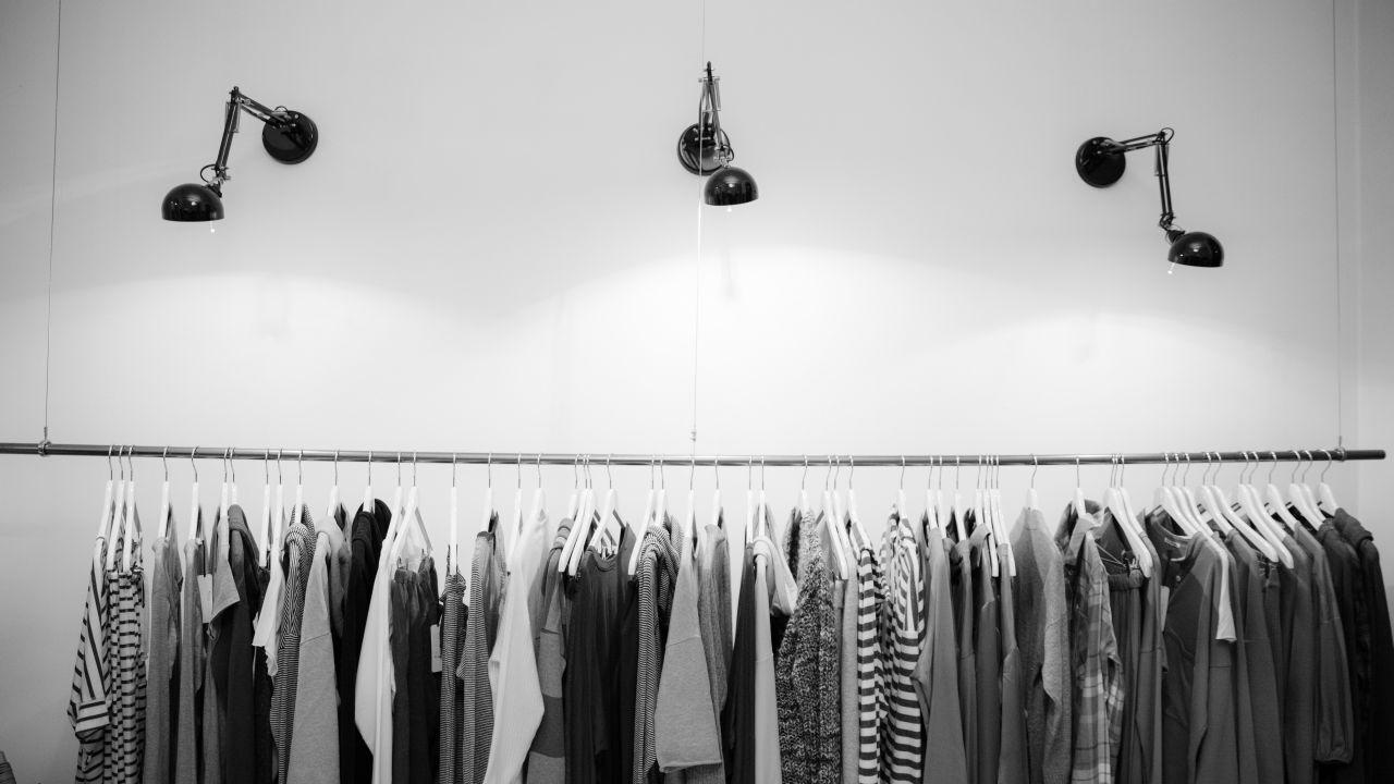 تدوير الملابس القديمة