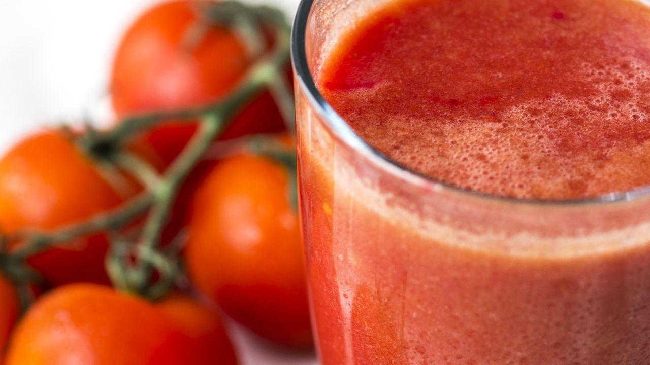 طريقة عمل عصير الطماطم للطبخ