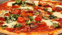 أسهل طريقة لتحضير صلصة البيتزا