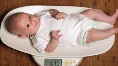كم وزن الطفل في الشهر الثالث