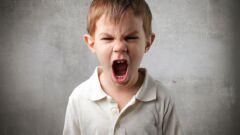 كيف أتعامل مع طفلي العنيف