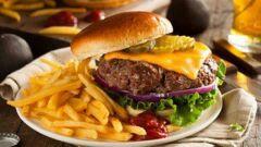 الأكلات التي ترفع ضغط الدم