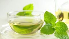 فوائد وأضرار الشاي الأخضر بالنعناع