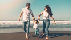 كيفية مساعدة الطفل على المشي