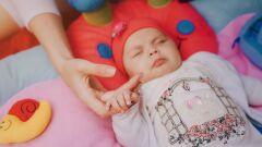 كيف أتعامل مع طفلي الرضيع كثير البكاء