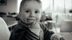 أطعمة للأطفال في عمر 9 شهور