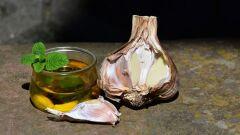 ما فائدة الثوم وزيت الزيتون